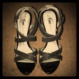 FIONI Clothing Shoes - Sparkly strapped pumps